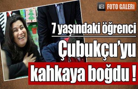 7 yaşındaki öğrenci Bakan'ı kahkaya boğdu !