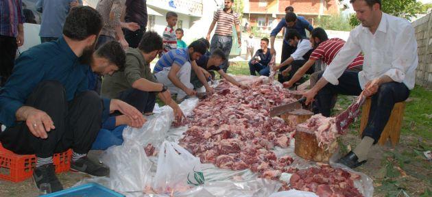 Ağrı'da muhtaç ailelere kurban eti dağıtımı yapıldı