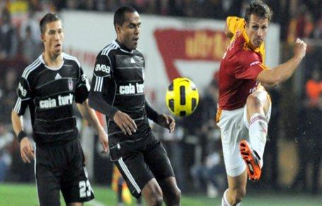 Beşiktaş sekiz yıllık seriyi bitirdi