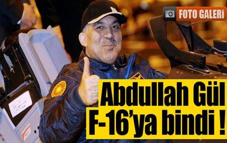 Cumhurbaşkanı Gül F-16 kokpitinde!