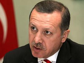 Erdoğan: İki kadın resmiyle rezil ederler