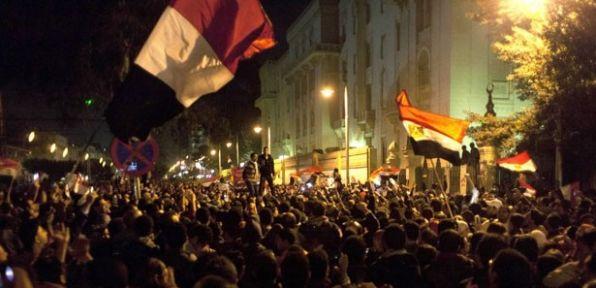 Mısır'da referanduma destek ve tepki gösterileri