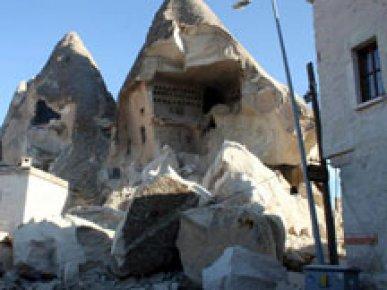 Nevşehir'de peribacası çöktü